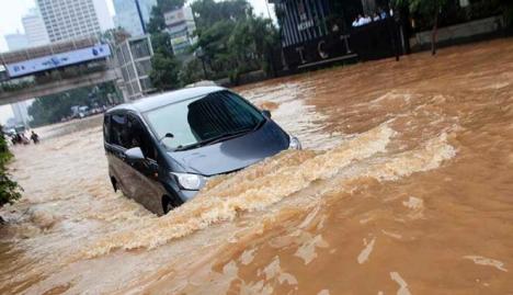 188442_bundaran-hi-terendam-banjir_663_382