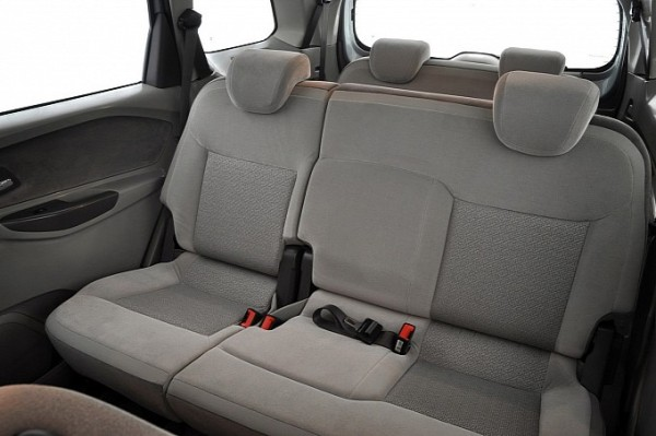 chevrolet-spin-mpv-launched-photo-gallery-medium_14