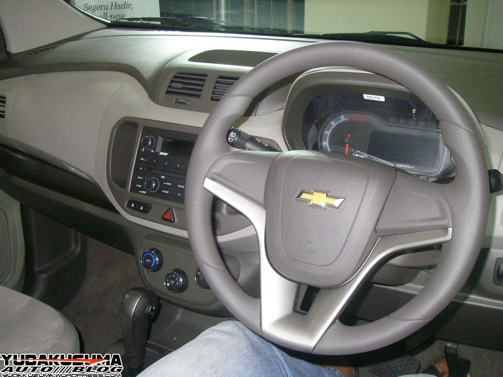 Gambar Modifikasi Mobil Chevrolet Spin
