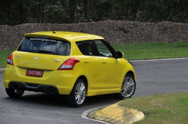 2012-Suzuki-Swift-Sport-02