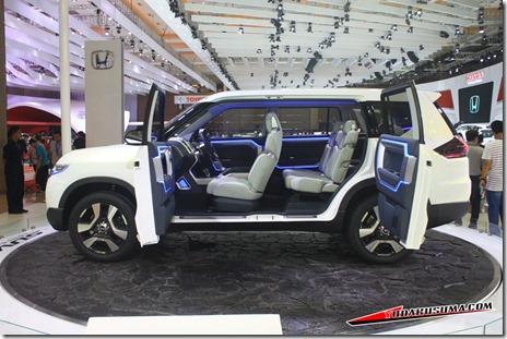 2014 Daihatsu SUV Concept 07