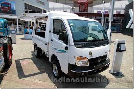 Tata-Ace-EX2-outdoor-van-at-the-2014-Indonesia-International-Motor-Show-1024x682