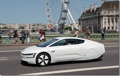 volkswagen-xl1-hybrid-visits-london-video-photo-gallery_7