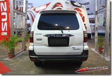 review isuzu panther touring 10