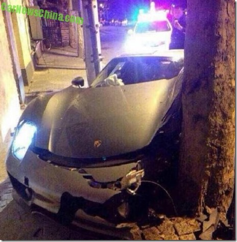 porsche 918 spyder crash 03