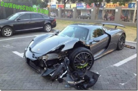 porsche 918 spyder crash 08