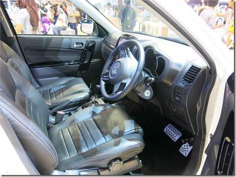 0_0_860_0_70_autocar-indonesia-content-20140925061239-Daihatsu Terios Spirit (5)