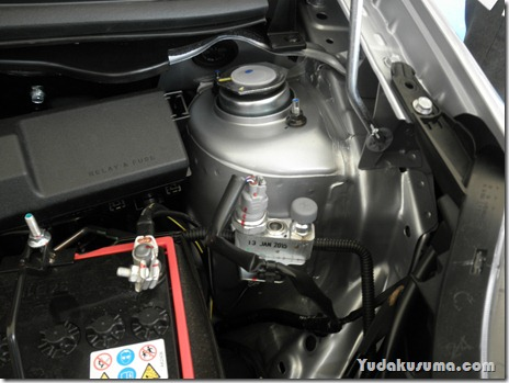 Review Daihatsu Sirion 2015 by Yudakusuma.com 34
