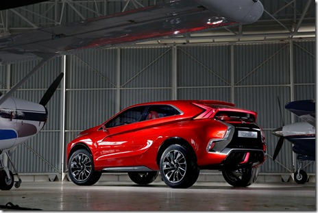 2015-Mitsubishi-Concept-XR-PHEV-II-16
