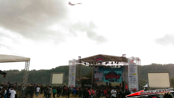 panggung-honda-bikers-day-2015-pacitan