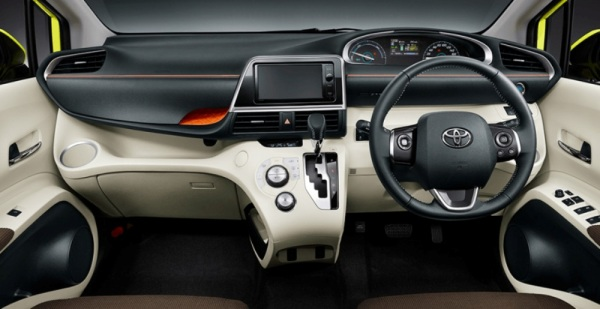 toyota-sienta-2016-review-dashboard