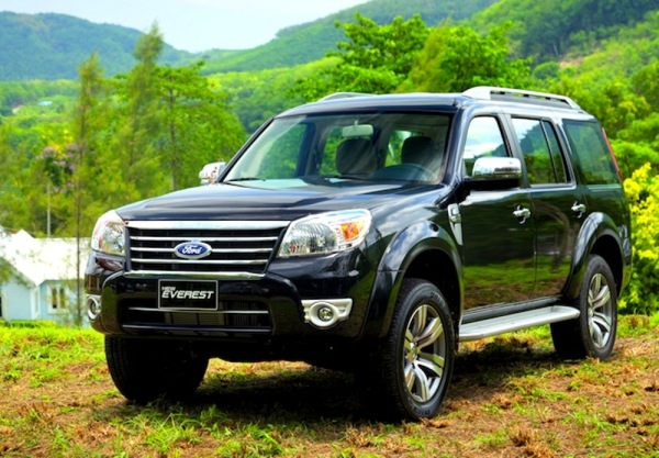 ford-everest-2010-front