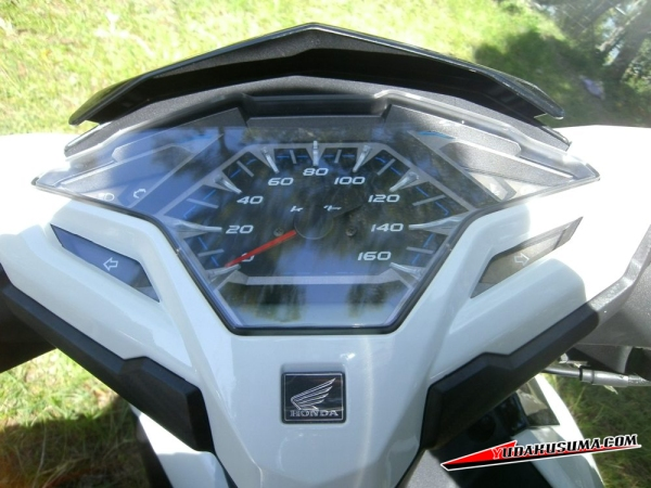 honda-vario-125-15-review-speedometer