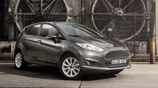ford-fiesta-2015-front