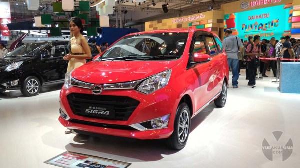 first-impression-review-daihatsu-sigra-1200-cc-depan