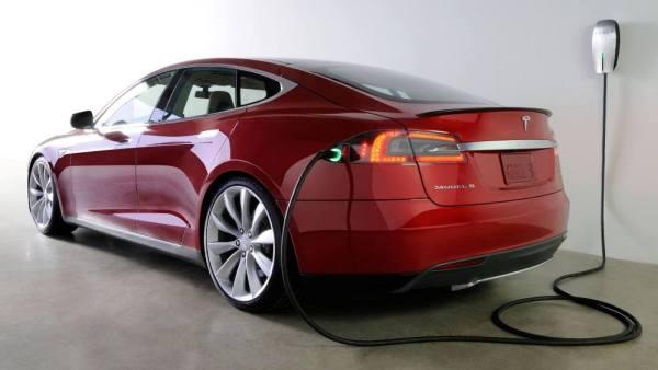 tesla-model-s-2016-charging